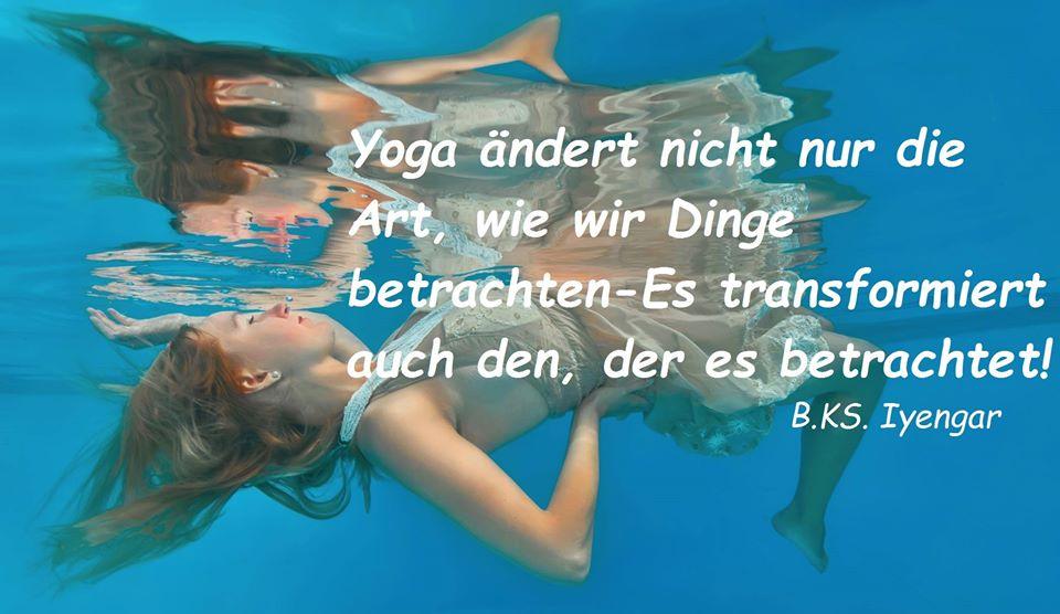 Unterwasserbild Yoga